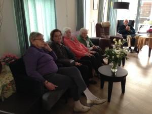 de oma's in het verzorgingstehuis