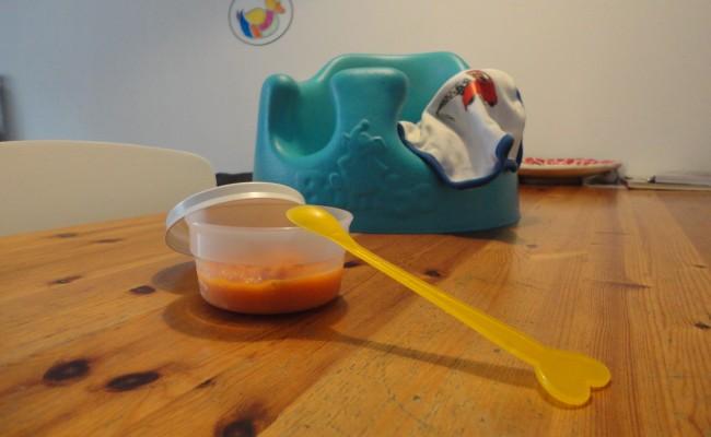 Baby eten geven benodigdheden