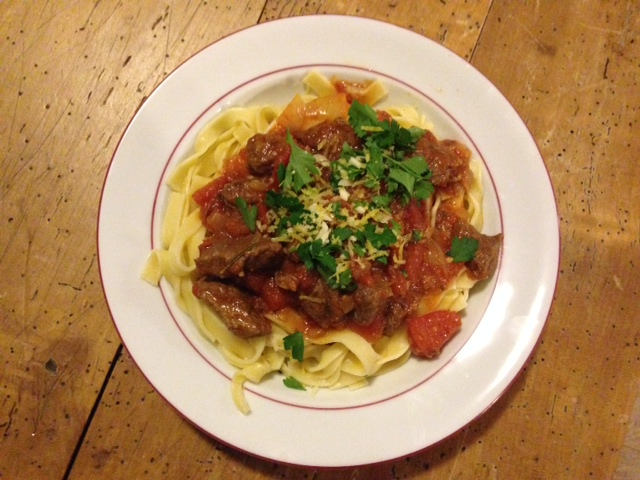 Italiaans stoofvlees op bord