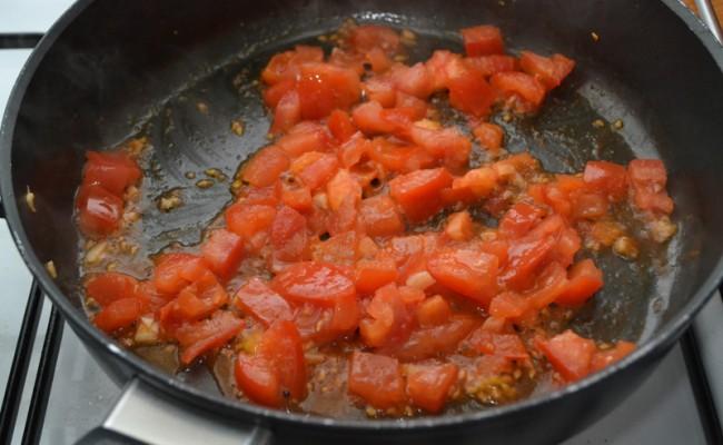 tomaat bakken