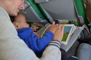 vliegen met kind baby dreumes tips