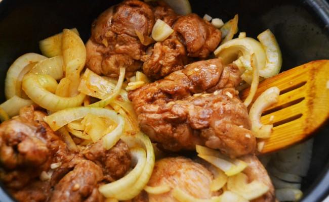 braden Ras-el-hanout en paprikapoeder gemarineerde kip