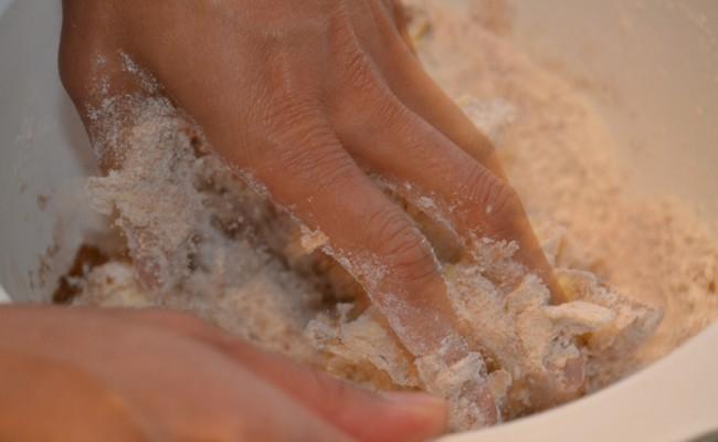 pepernoten deeg kneden
