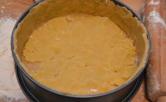 appeltaart met abrikozenjam en spijs