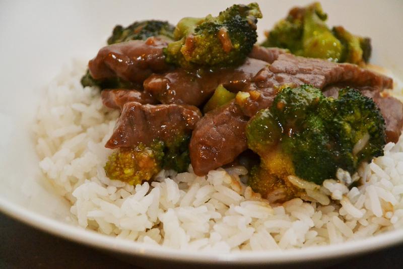 recept beef broccoli biefstuk bieflapjes rijst chinees chopsticks