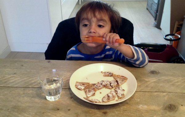 Appel-rozijn pannenkoeken als gezond ontbijt