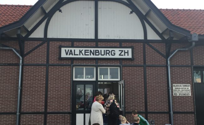 Valkenburg ZH treinstation