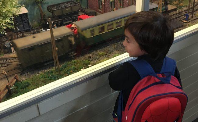 treintjes kijken kleuter