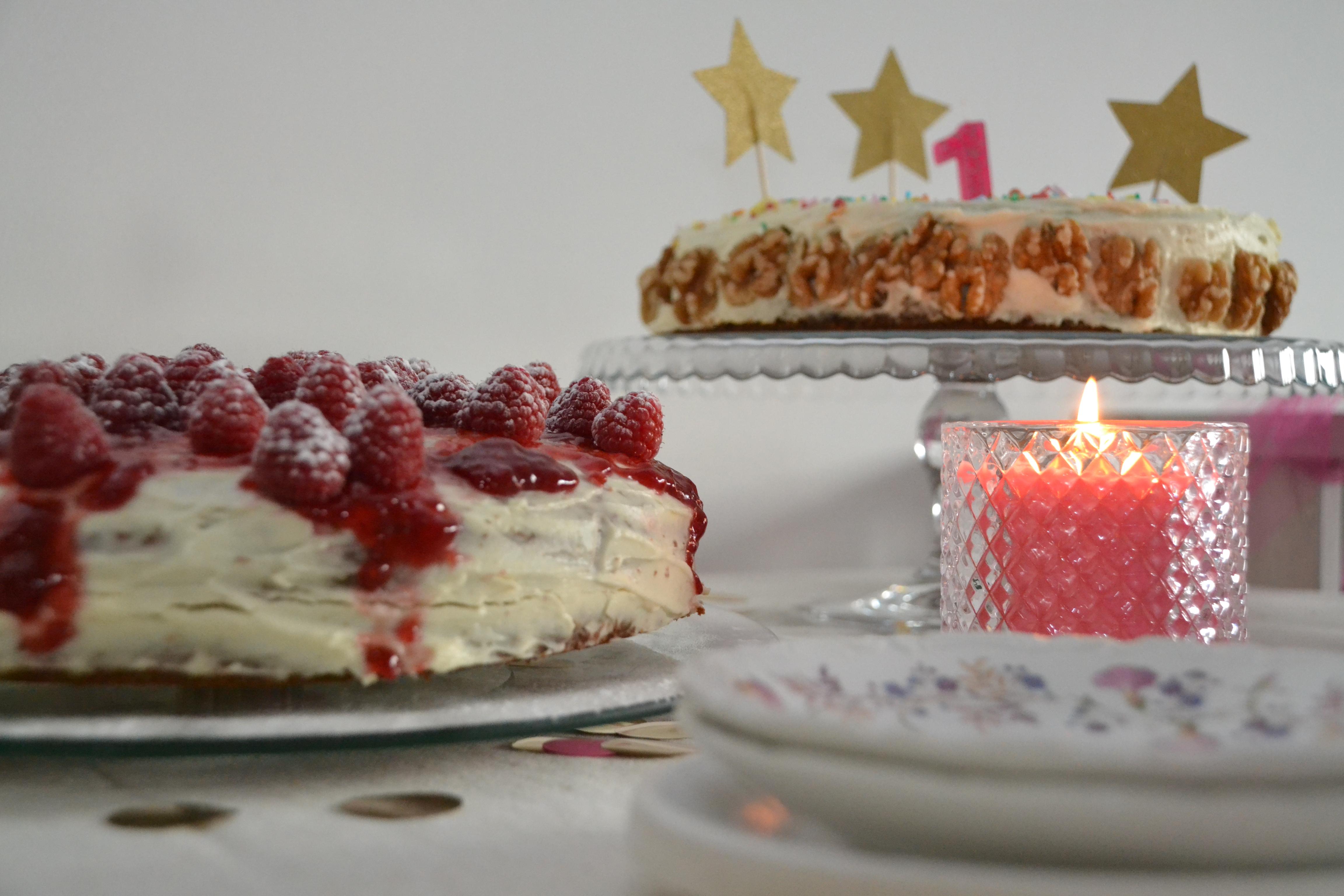 worteltjestaart frambozentaart kaars roze feest één jaar