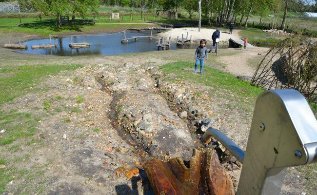 Waterpomp natuurspeeltuin voorschoten